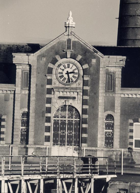 Saint-Nazaire, la façade de la station de relevage des eaux.