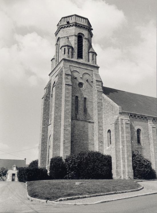 Trescalan, l'église au belvédère.