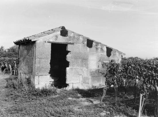 Arveyres, une petite maison de vigne au château Tillède.