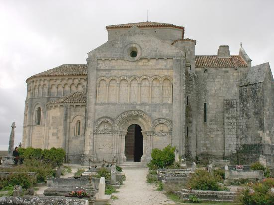 Talmont, l'église Sainte-Radegonde.