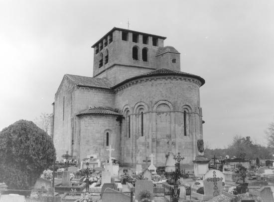 Saint-Denis-de-Pile, l'église Saint-Denis et le cimetière,