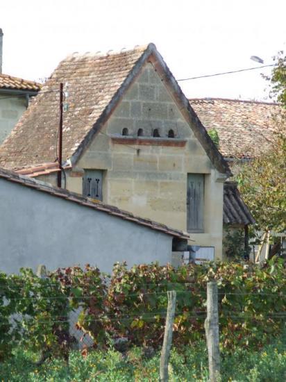 Saint-Germain-du-Puch, un pigeonnier,