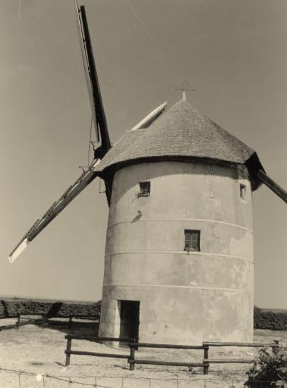 Migé, le moulin à vent.