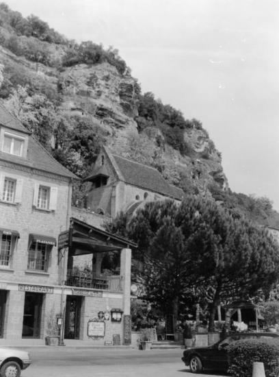La Roque-Gageac, une chapelle à flanc de rocher.