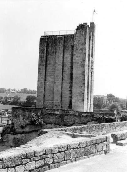 Saint-Emilion, la tour du Roy.