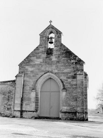 Saint-Laurent-des-Combes, l'église.