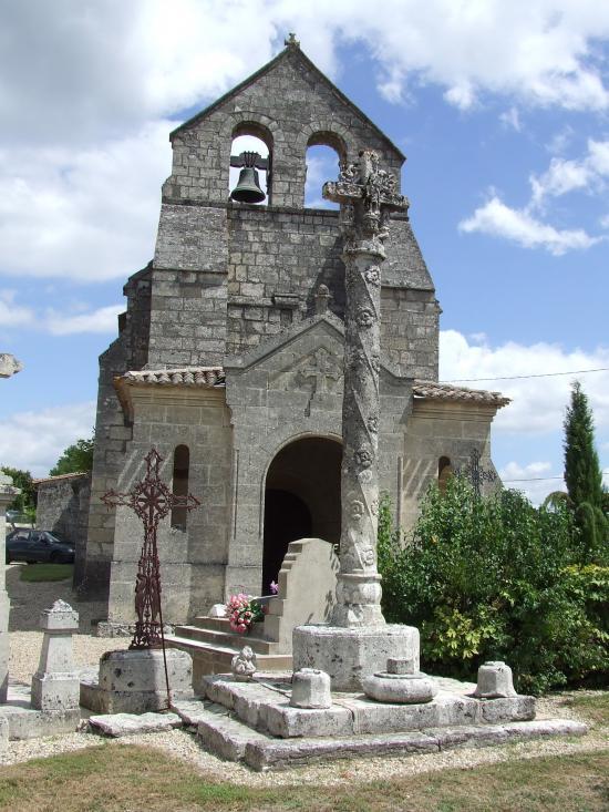 Daignac, la croix du cimetière