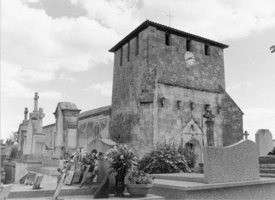 Bayas, l'église Sainte-Croix.