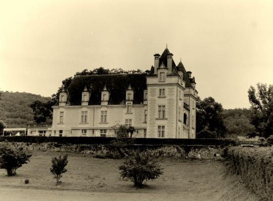Saint-Vincent-de-Cosse, le château de Monrecour.