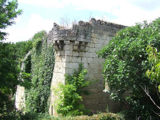 Daignac, un moulin à eau fortifié