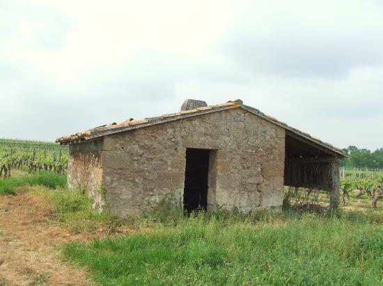 Lugaignac, une petite maison de vigne,
