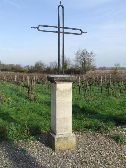 Génissac, une croix de mission.