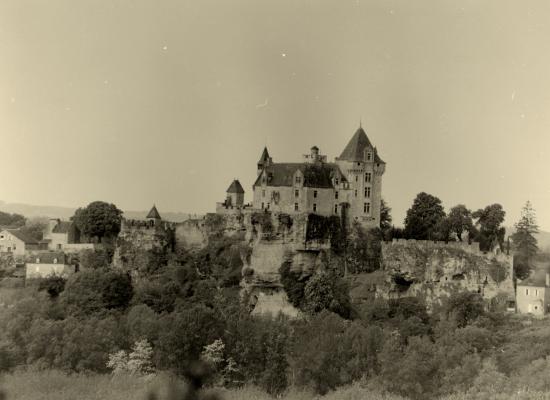 Vitrac, le château de Montford,