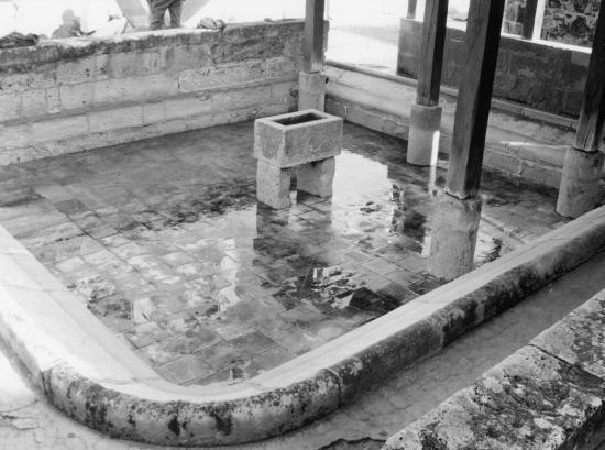 Saint-Emilion, un lavoir.