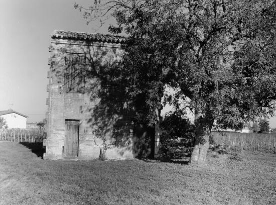 Pomerol, une maison de vigne habitable.