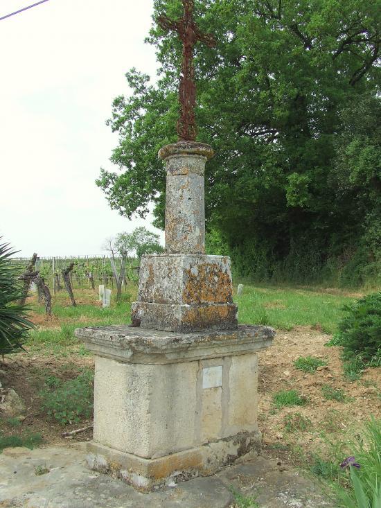 Jugazan, une croix de mission 1954,