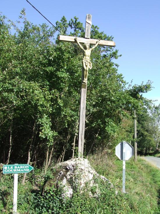 Baron, la croix de carrefour, au lieu-dit Lapouyade