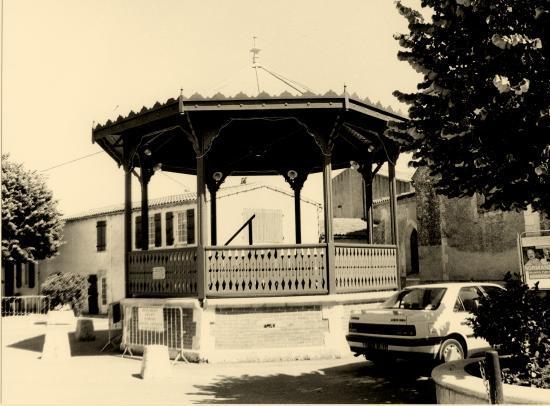 La Couarde, le kiosque à musique.