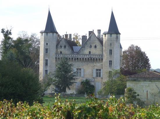 Saint-Germain-du-Puch, le château du Grand-Puch.