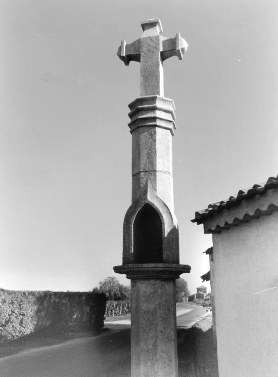 Pomerol, la croix de Gay.