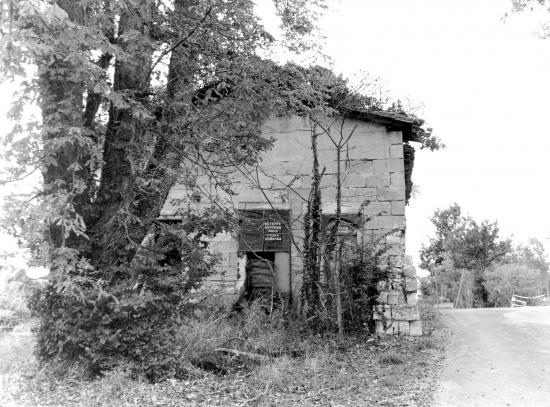 Arveyres, le moulin de Réau.