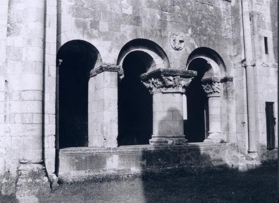La Sauve, l'Abbaye et son cloître.