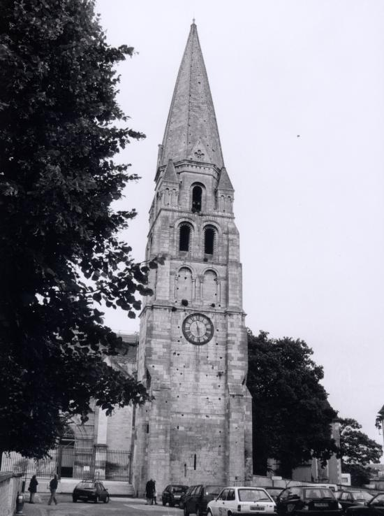 Auxerre, la Tour Saint-Jean.
