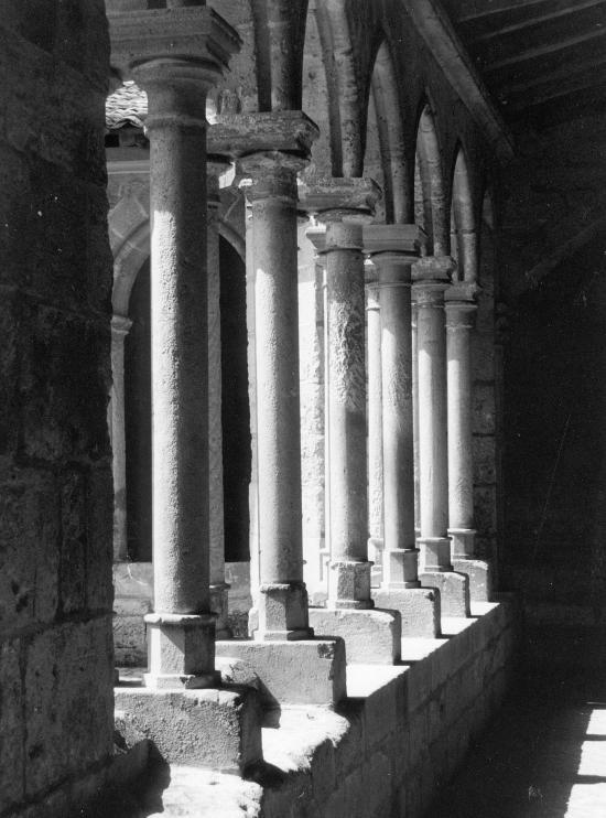 Saint-Emilion, le cloître.