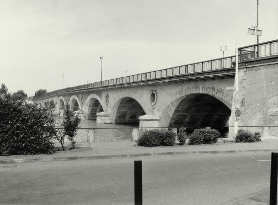 Libourne, le pont de pierre
