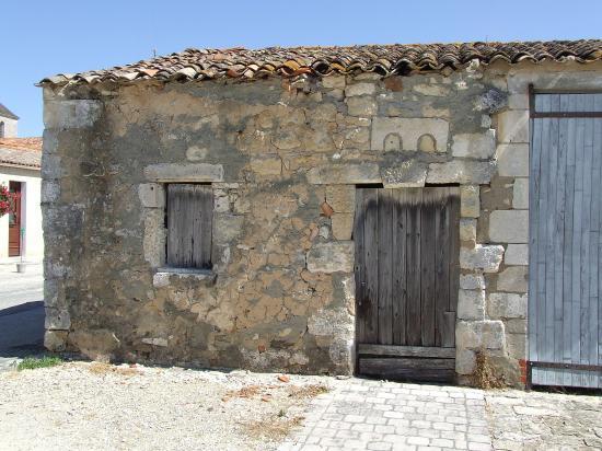 Brouage, des vieilles maisons de pierre.