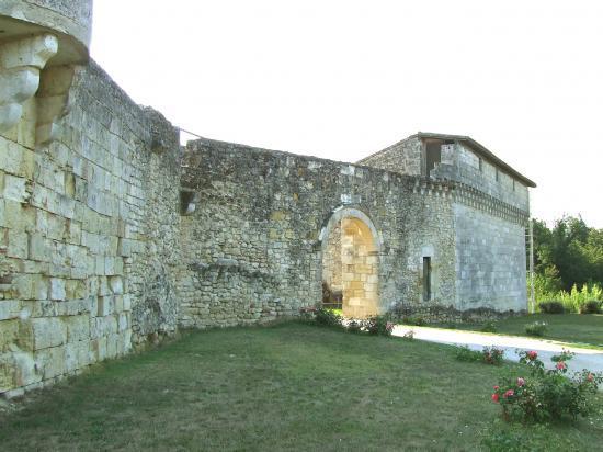 Saint-Quentin-de-Baron, le château de Bisqueytan,