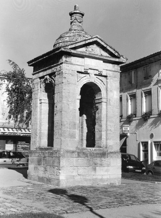 Guitres, le puits de Beliste dit Henry IV.