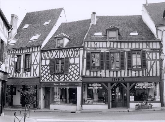 Auxerre, une autre maison à pans de bois.