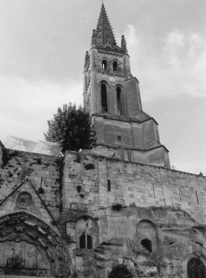 Saint-Emilion, l'église monolithe.