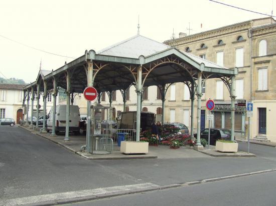 Branne, le marché couvert construit par Eiffel
