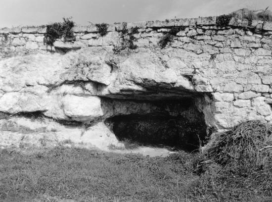 Saint-Emilion, une grotte au lieu-dit Bergat