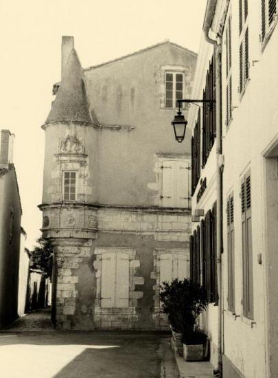 Ars-en-Ré, une vieille maison de style.