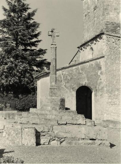 Saint-Ciers-d'Abzac, la croix du cimetière,