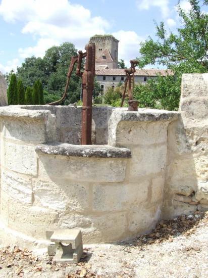 Daignac, un puits au château Curton