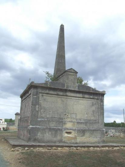 Daignac, le tombeau du Général Darmagnac