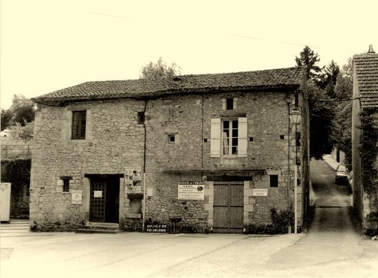 Cadouin, une ancienne maison,