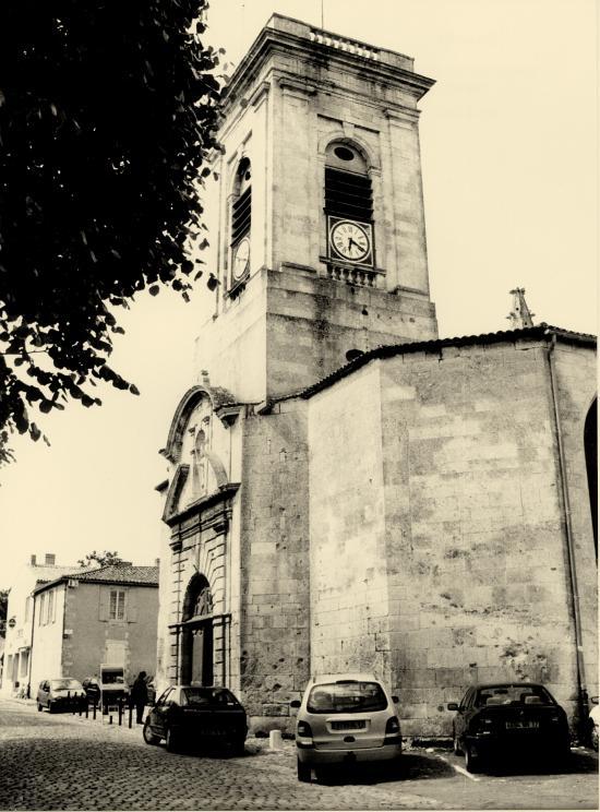 Saint-Martin-de-Ré, une autre vue de l'église.