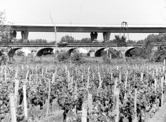 Arveyres, le viaduc des Barrail et la viaduc des 100 arches
