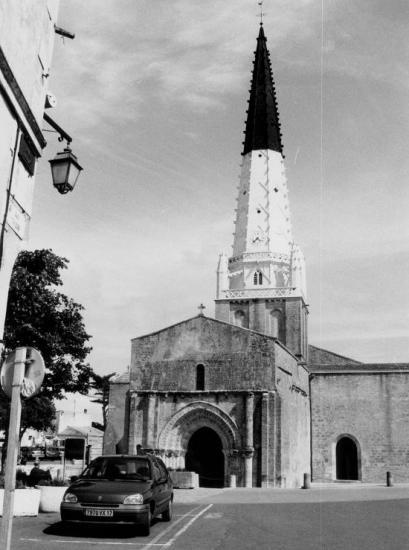 Ars-en-Ré, l'église.