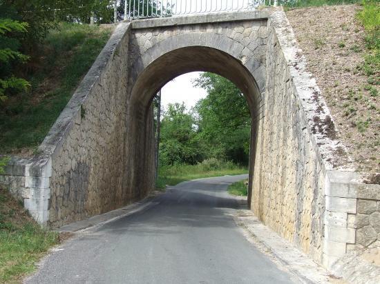 Dardenac, le pont sous la piste cyclable