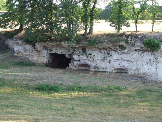 Saint-Quentin-de-Baron, les grottes de Jaurias,