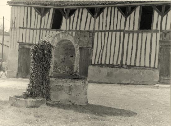 Savignac-de-l'Isle, un puits Gabaye,