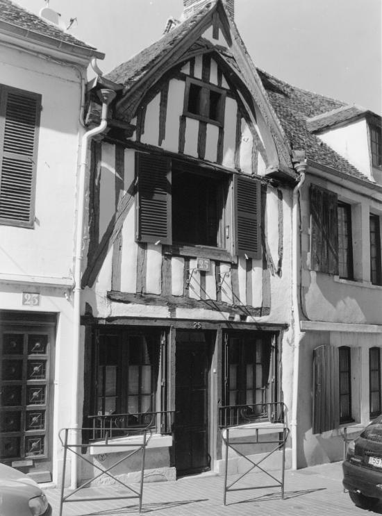 Auxerre, encore des maisons...