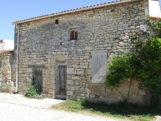 Brouage, encore une vieille maison de pierre.