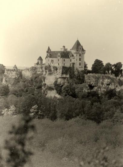Vitrac, le château de Monford.